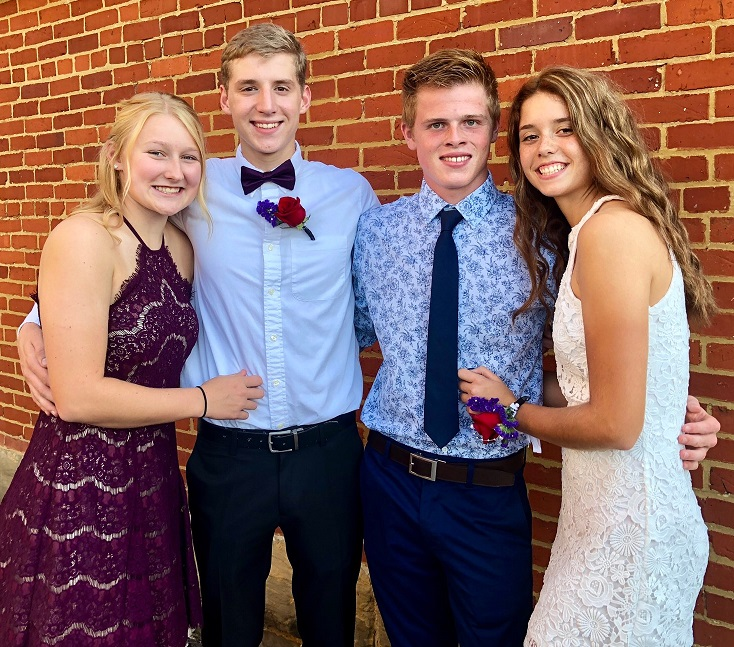 Ally+Thompson%2C+Tanner+Roush%2C+Houston+Allen%2C+Brittney+Azbell+attend+Homecoming+2018.